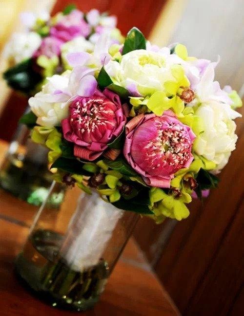 5 bo hoa sen dep don tim van nang co dau