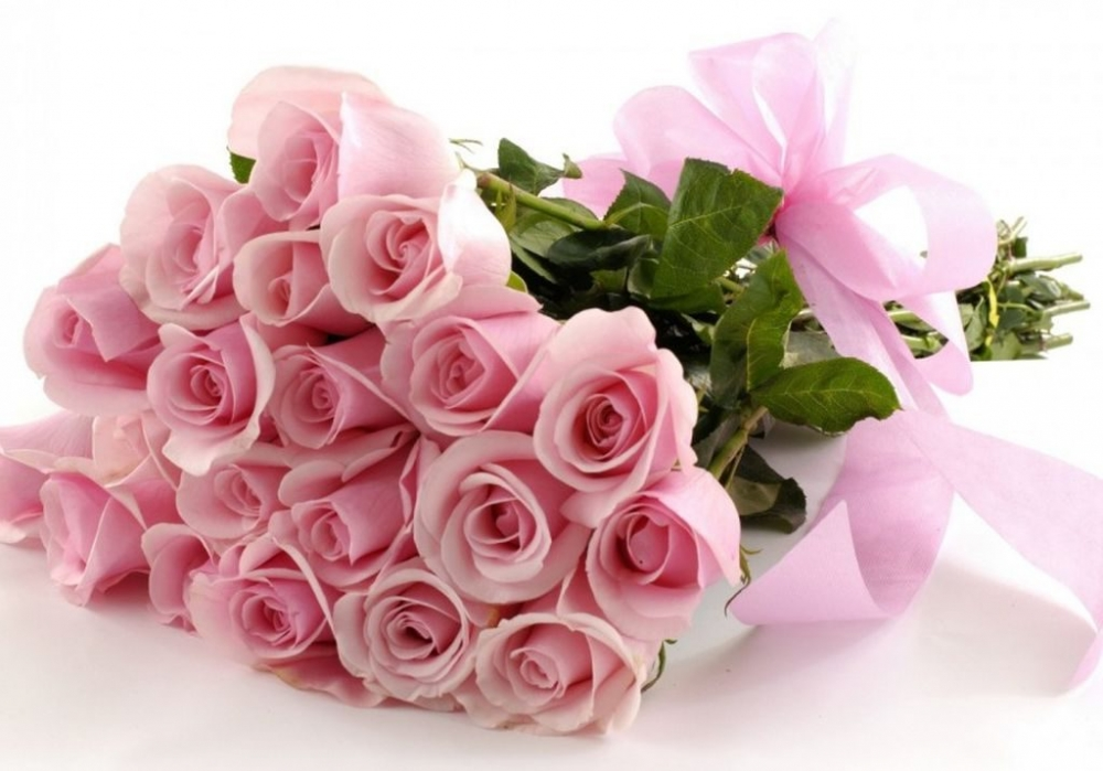 mau hoa sinh nhat thang 8 dep mang nhieu y nghia