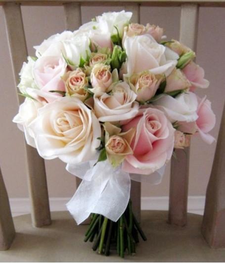 nhung mau hoa tuoi cam tay co dau dep cho ngay cuoi