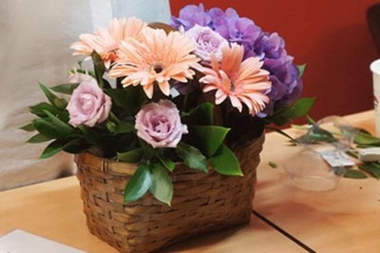 bi quyet chon hoa tang ky niem ngay cuoi y nghia