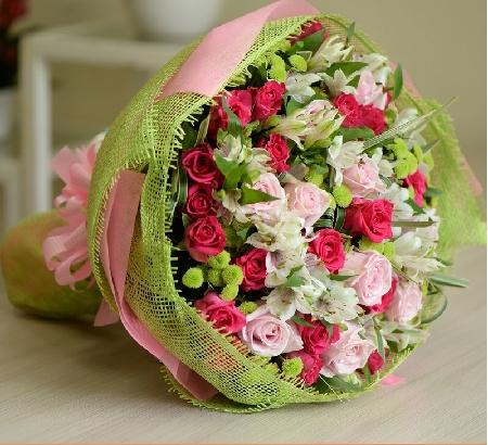 mach ban 3 luu y khi chuan bi tang hoa sinh nhat cho sep nu