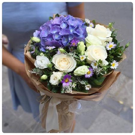 bi quyet chon mau hoa sinh nhat thang 10 dep va y nghia