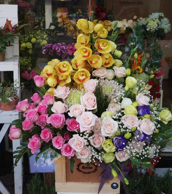 nhung luu y khi chon hoa sinh nhat sang trong tang sep nu